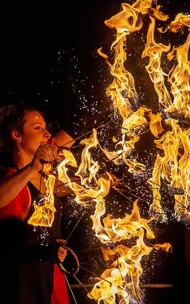 fire artist, fire player, fire magic, fire show, fire eater, fire show wedding