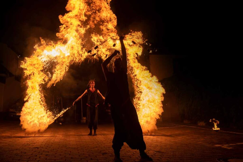 Feuershow der Superlative auf einer Hochzeitsfeier